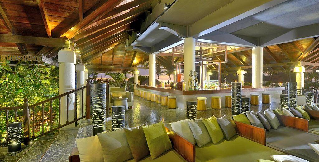 Sorseggiate un drink al Kestrel Bar