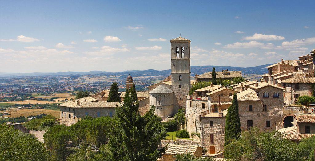 e la splendida Assisi uno dei centri artistici e religiosi più conosciuti in Italia e al mondo.