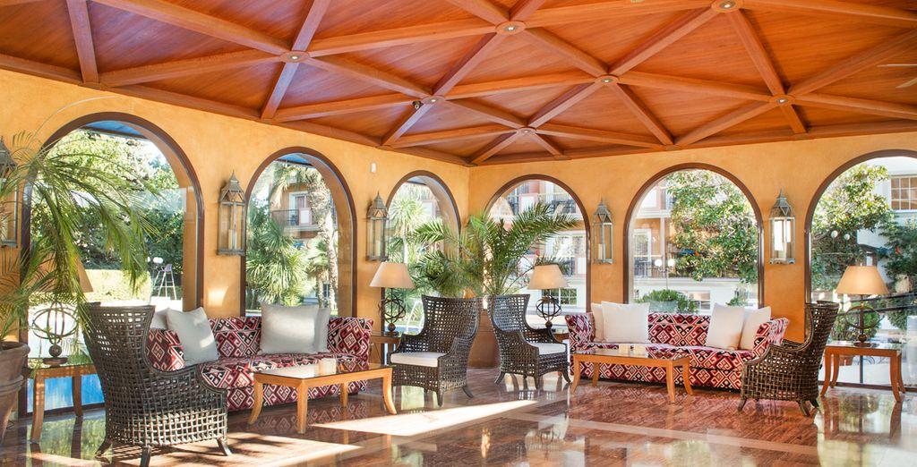 Hotel di alta gamma con area relax, spa e zona massaggi.