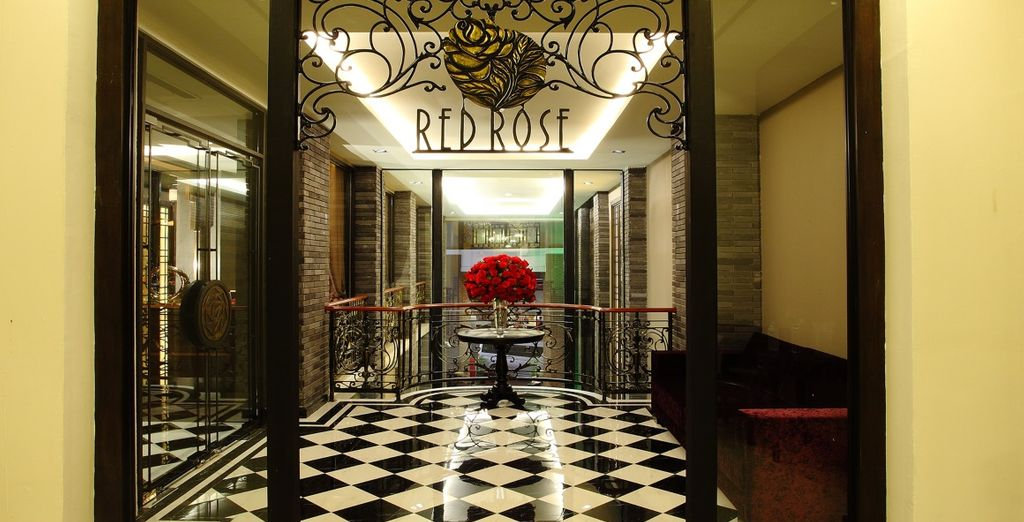 Entrate nel ristorante cinese The Red Rose