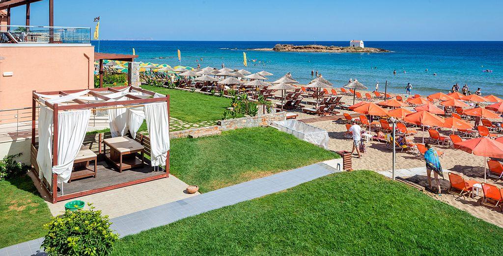 Qui l'High Beach Hotel 4* è pronto a darvi il benvenuto sulla splendida spiaggia dorata di Malia