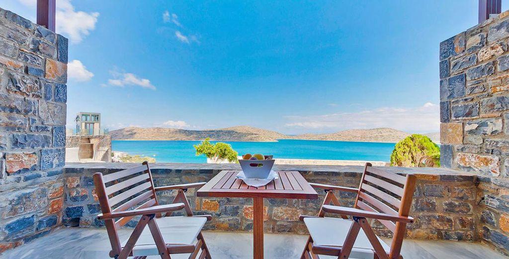 con balconcino privato fronte mare