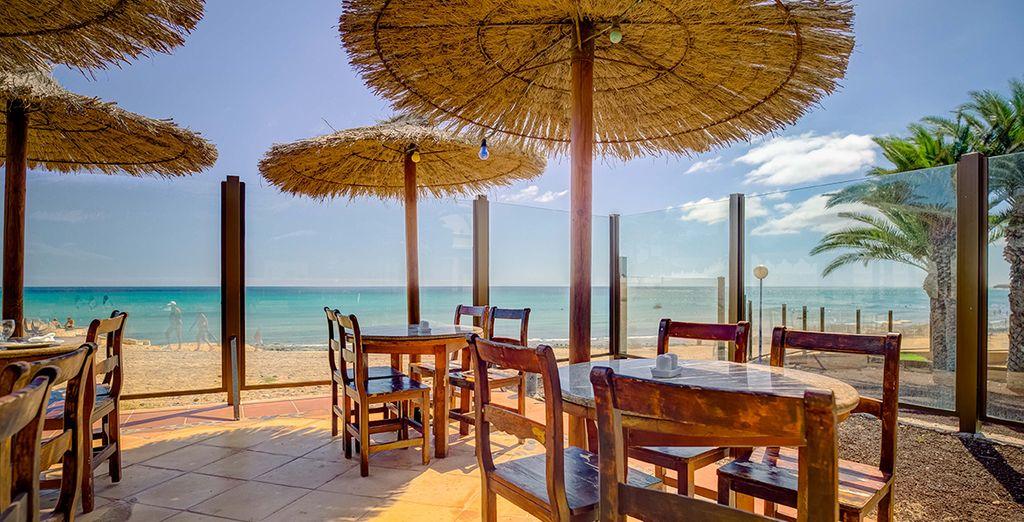Per gustare ricchi piatti con vista sulla spiaggia
