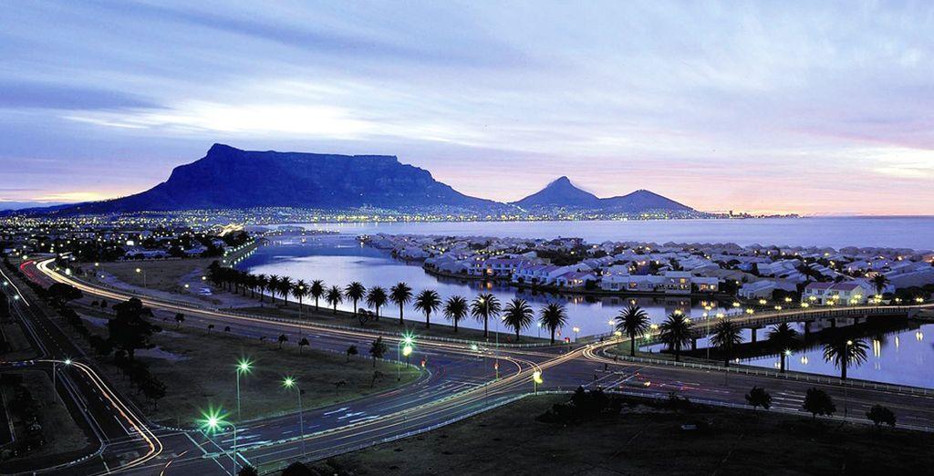 Visitate la moderna e scenografica Cape Town