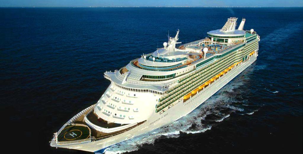 Partirete poi per una minicrociera firmata Royal Caribbean: The Mariner of The Seas vi attende