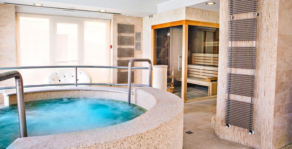 Hotel a quattro stelle di alta gamma con spa e area relax a Sirmione, Italia