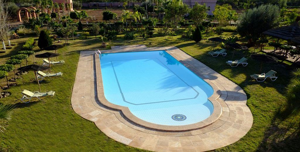 Prendete il sole in piscina o rigeneratevi con una nuotata nelle sue acque limpide