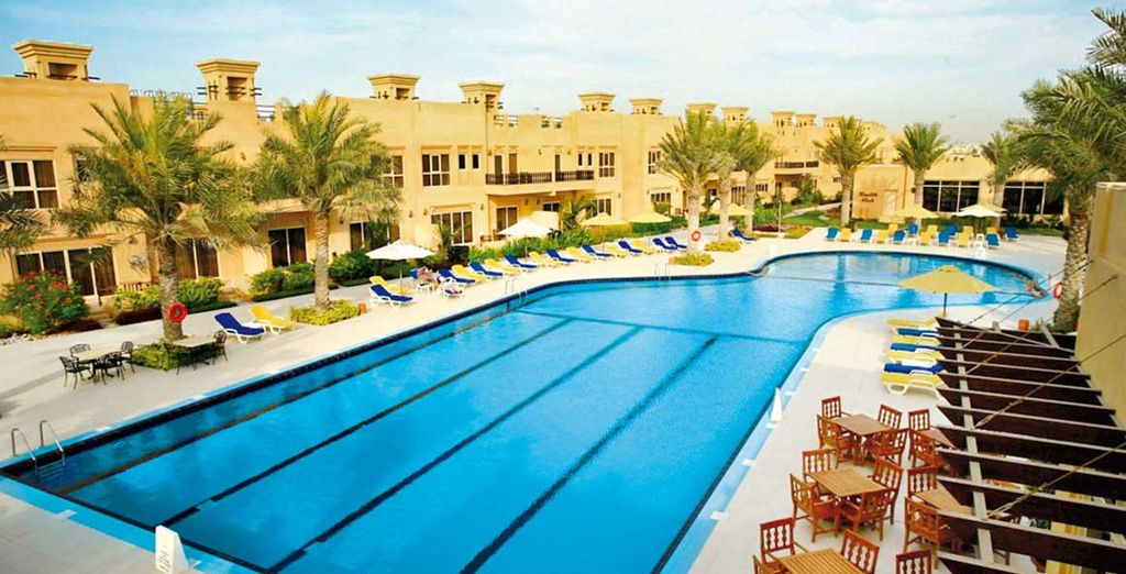 Benvenuti all'Al Hamra Village Golf & Beach Resort 5*