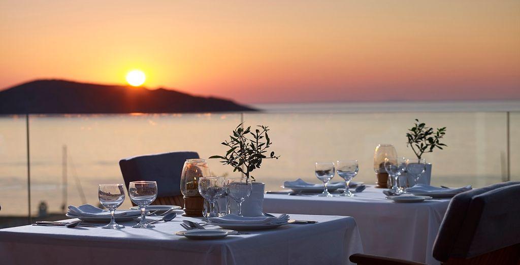 Approfittate dei magnifici panorami dal ristorante Nafsika