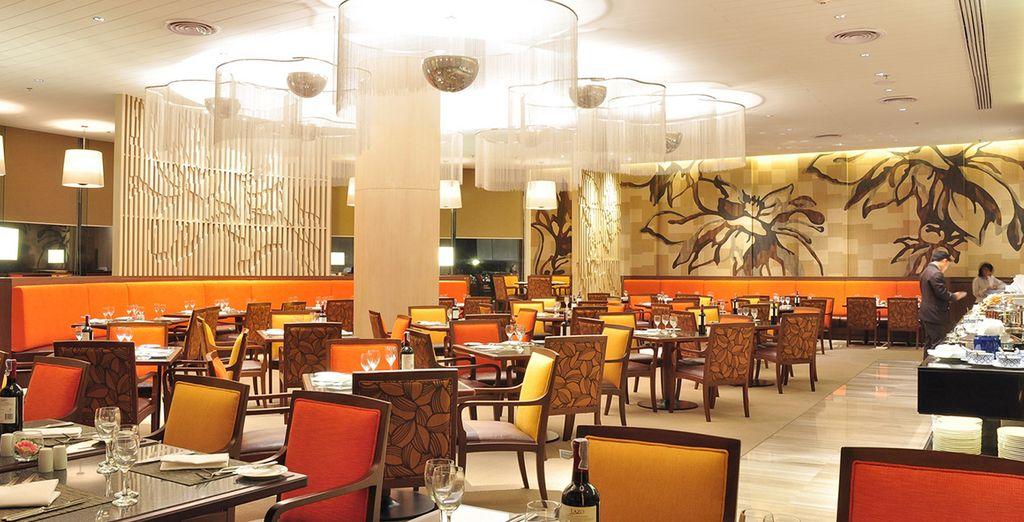 Delizierete i vostri palati grazie ai diversi punti ristoro presenti nell'hotel