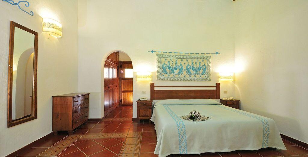 Per la vostra vacanza vi abbiamo riservato le accoglienti Camere Classic arredate nel tipico stile sardo