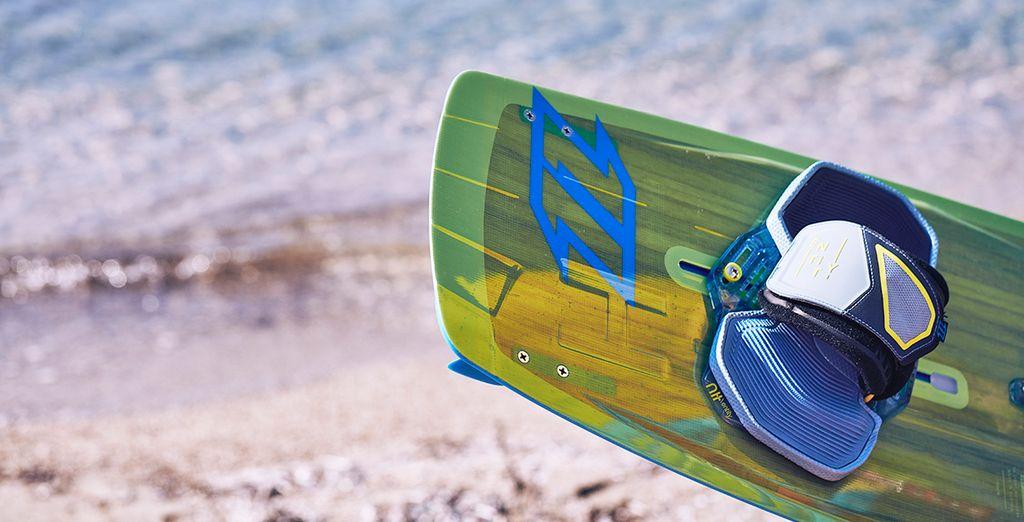 Prendete lezioni di Kitesurf nella splendida spiaggia di Korfos