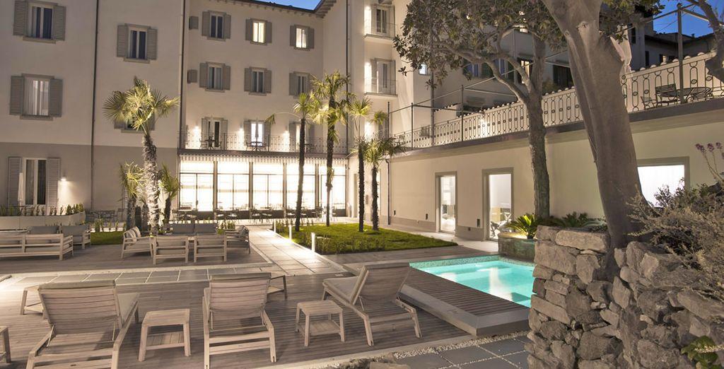 E rilassatevi nel giardino dell'hotel dopo aver visitato le bellezze di Firenze