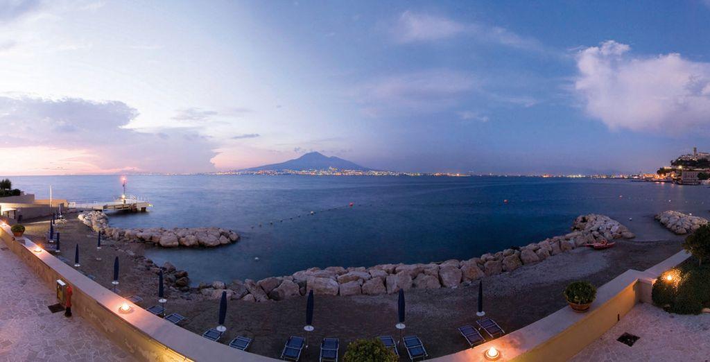 Circondati dalla magnifica vista del Vesuvio