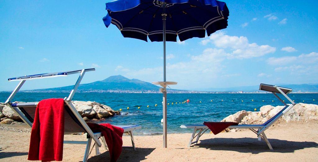 Approfittate della spiaggia privata per godere di un po' di relax.