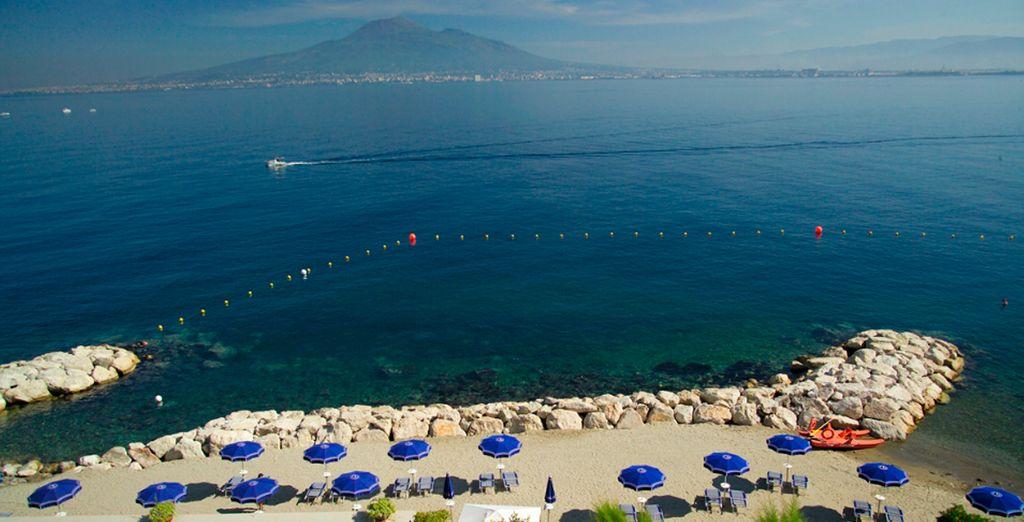 Il Resort si sviluppa su una passeggiata di 300m a due passi dal mare