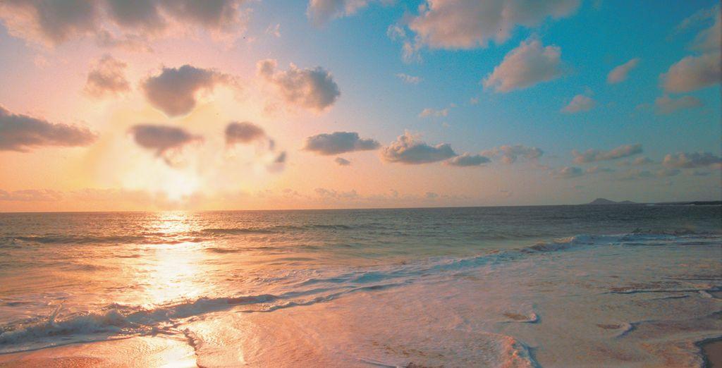 Rimarrete affascinati dagli splendidi tramonti sulla spiaggia di Santa Maria.