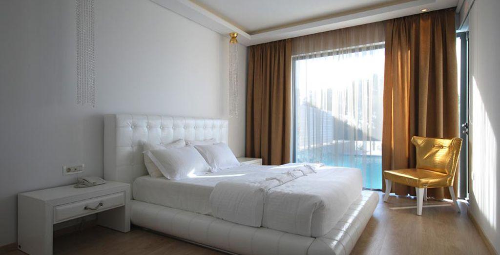 E contattando il nostro call center vivere un'esperienza esclusiva nelle eleganti Diamond Suite con piscina privata