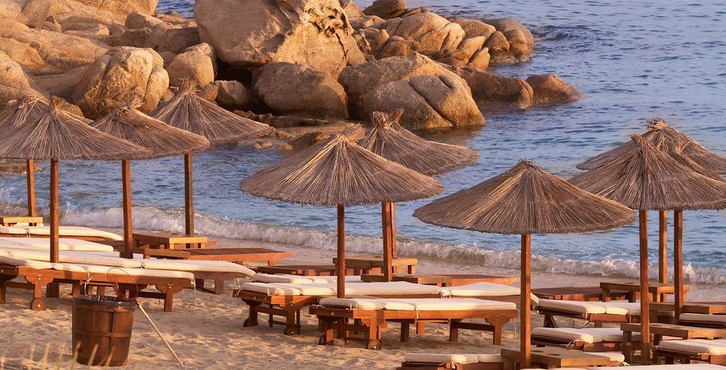 Sdraiatevi sulla spiaggia più bella di Mykonos