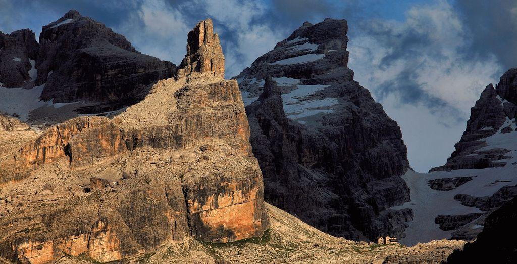 Concedetevi un trekking o un'escursione in mountain bike per vivere al meglio il vostro soggiorno in montagna