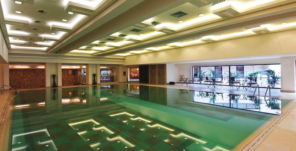 nella splendida piscina a vostra disposizione