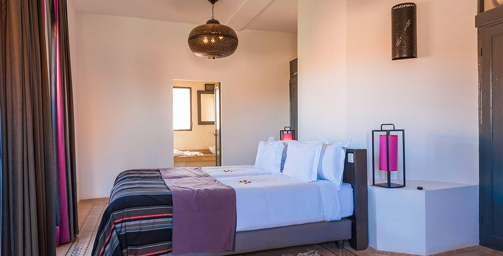Le camere da letto sono tutte luminose e dall'arredamento moderno