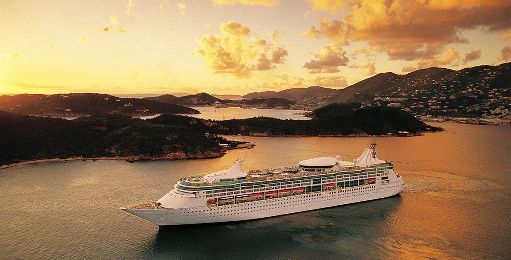 A bordo di una nave esclusiva: la Rhapsody of the Seas firmata Royal Caribbean è pronta a darvi il benvenuto