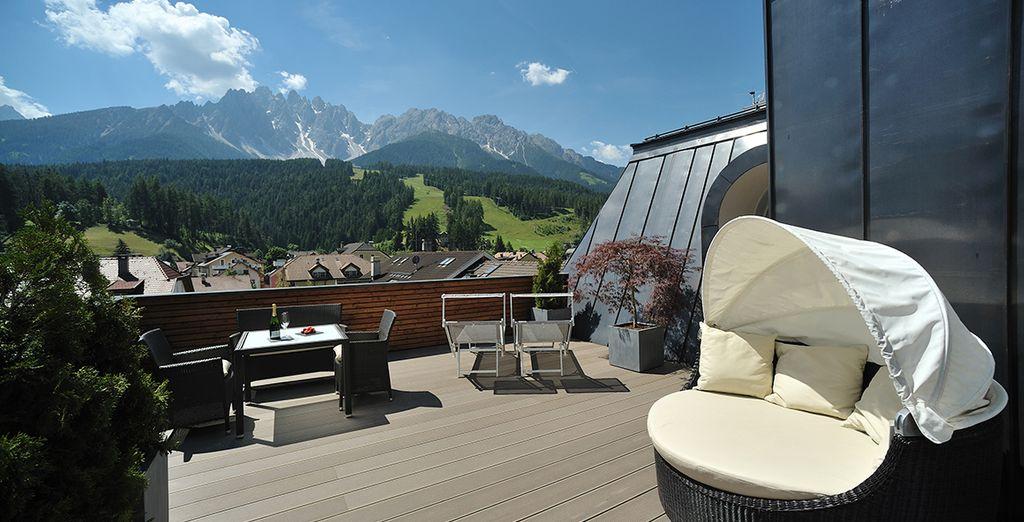 Godetevi il sole sulla splendida terrazza