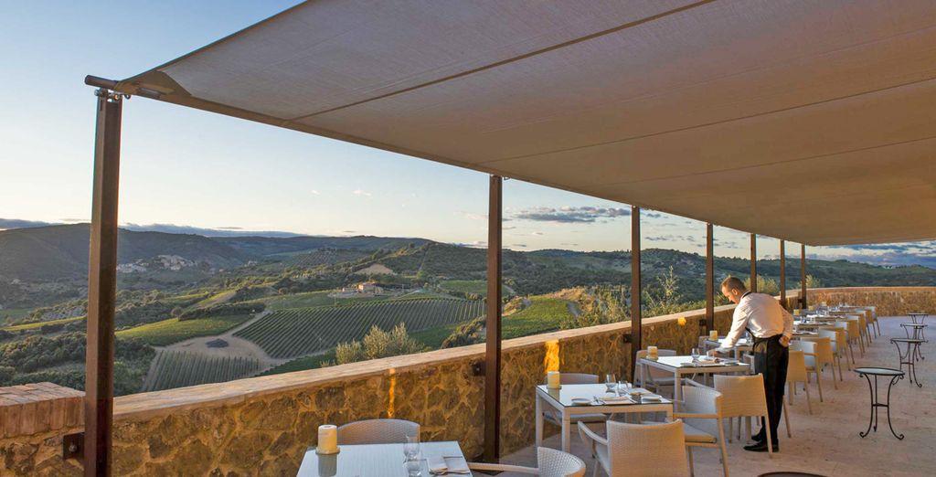 Gustate una cena tipica toscana nella meravigliosa terrazza
