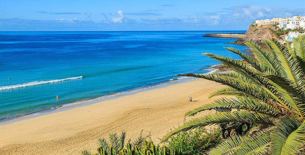 Ammirate le sue acque cristalline e i suoi chilometri di sabbia bianca