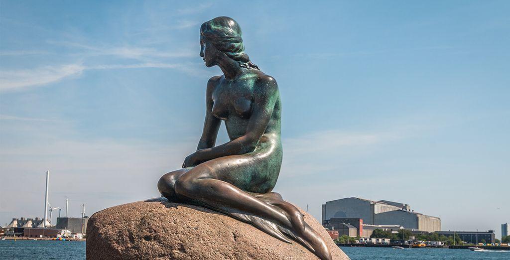 La Statua della Sirenetta vi darà il benvenuto in questa splendida città