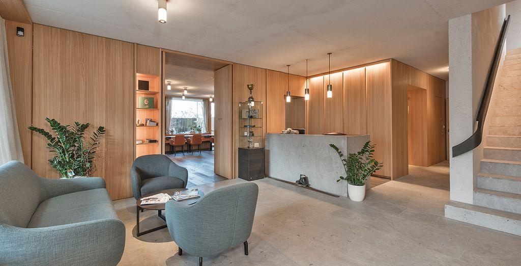 Moderno hotel dagli interni curati in ogni dettaglio