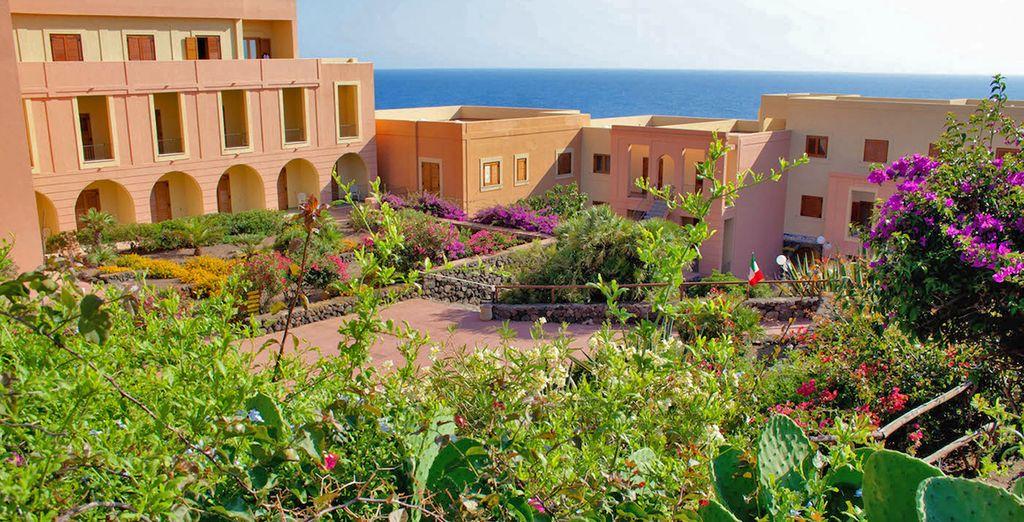 Una struttura immersa nella natura mediterranea