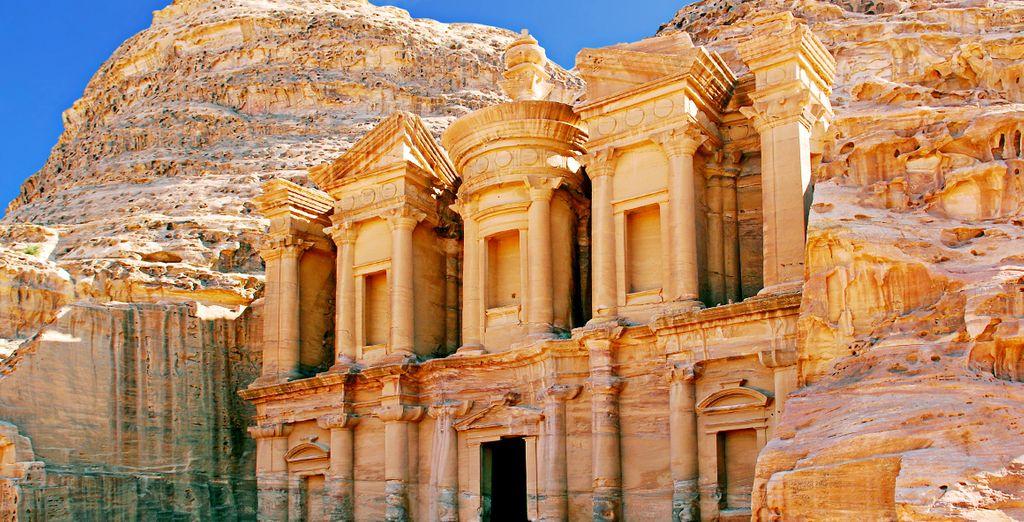 La visita a Petra durerà tutto il giorno e comprenderà tappa alle principali attrazioni