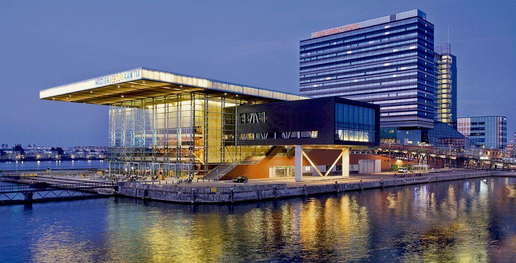 Benvenuti nel moderno Hotel Movenpick Amsterdam City Centre 4*