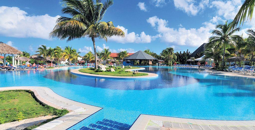 Hotel di lusso con piscina e zona relax a Cuba