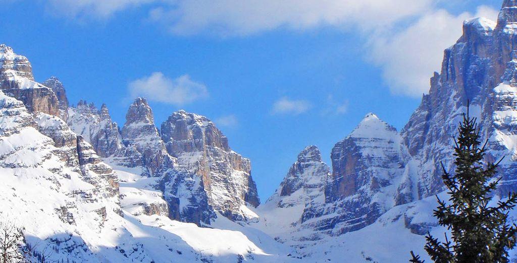 Paesaggi di Pinzolo e delle sue montagne rocciose