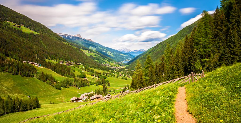 Fotografia dell'Alto Adige in Italia e delle sue verdi montagne