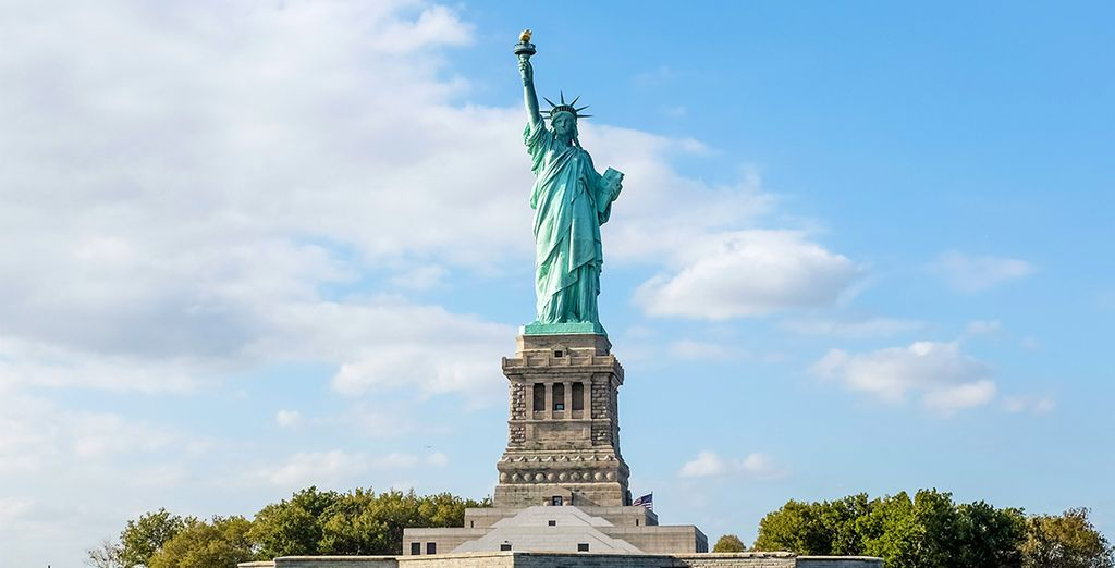 Visita la Statua della Libertà, simbolo di New York