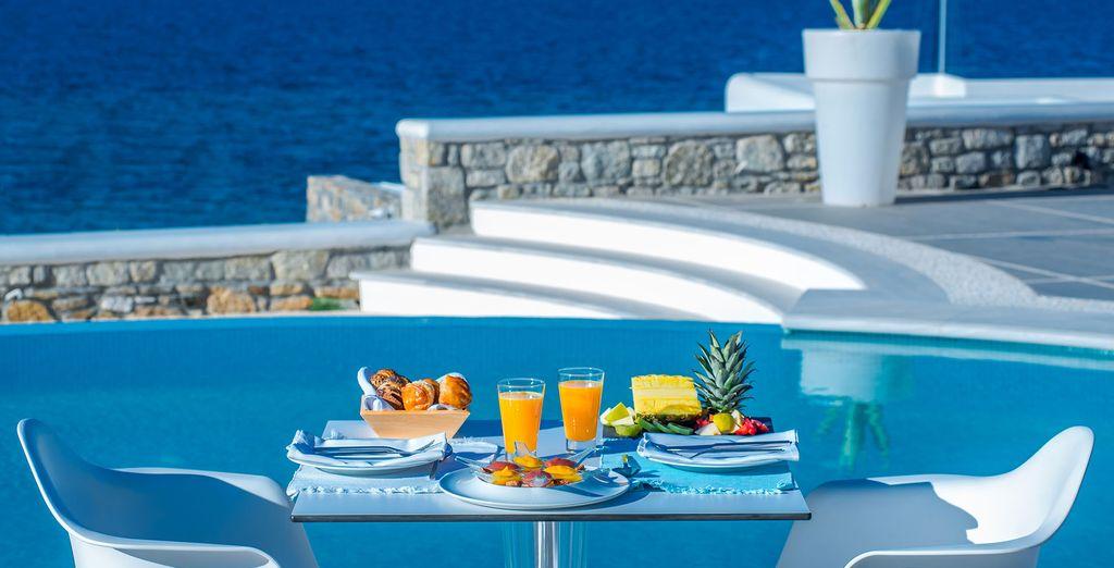 iniziate la giornata con un'ottima colazione vista mare