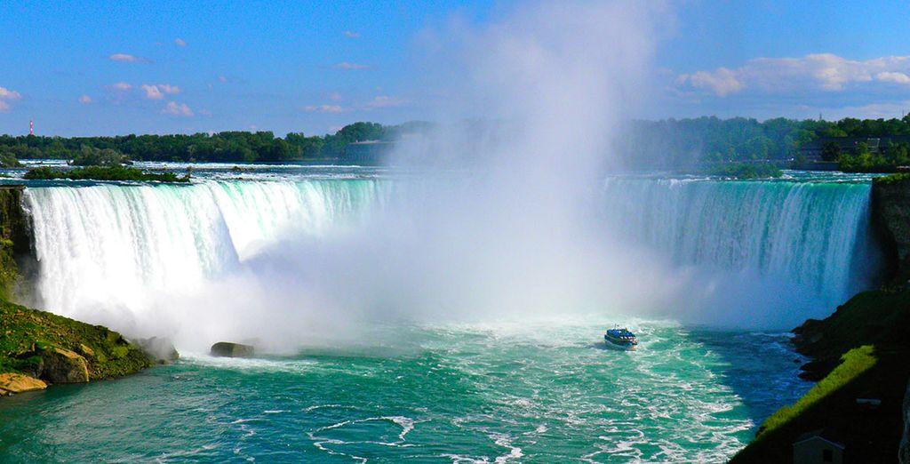 Fotografia delle cascate del Niagara in Canada, vicino agli Stati Uniti