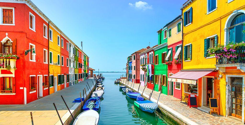 Visita di Venezia e delle sue piccole isole con edifici colorati come Murano, Burano e Torcello