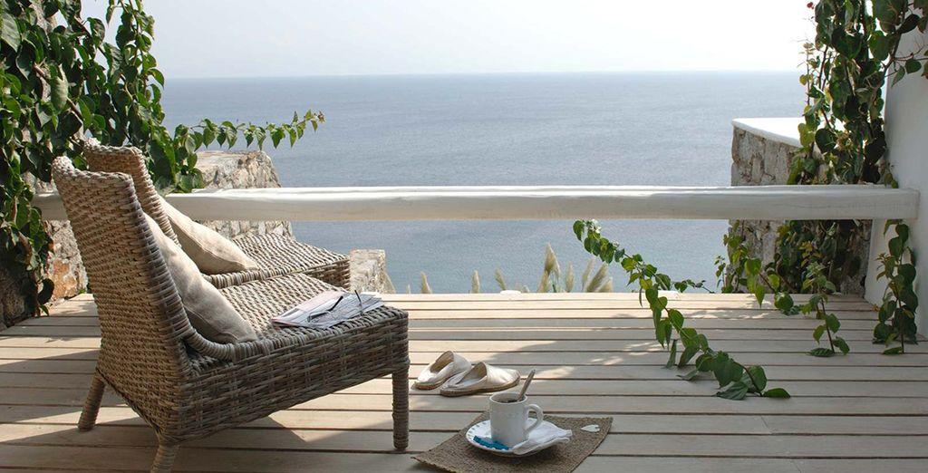 hanno veranda privata con vista mare perfetta per ammirare i famosi tramonti di Mykonos