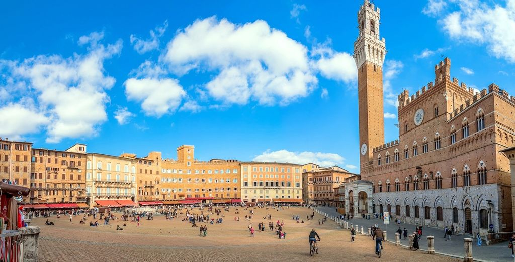 E a breve distanza dagli antichi borghi e dalle principali città della Toscana, come Siena