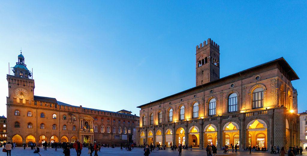Fotografia di Palazzo Accursio a Bologna, Italia