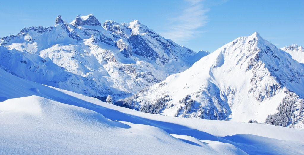 Fotografia delle montagne innevate di Madonna di Campiglio