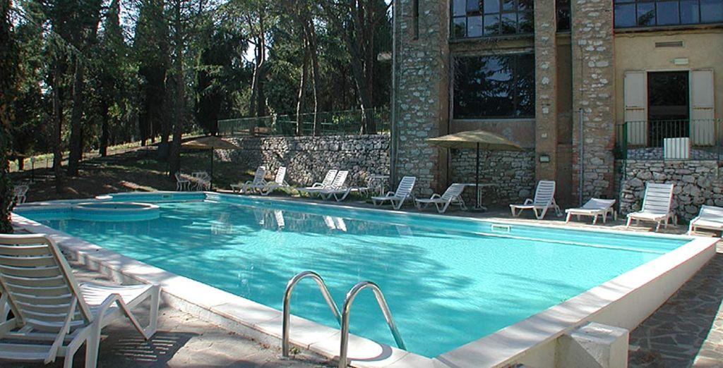 e dotata di ampia piscina