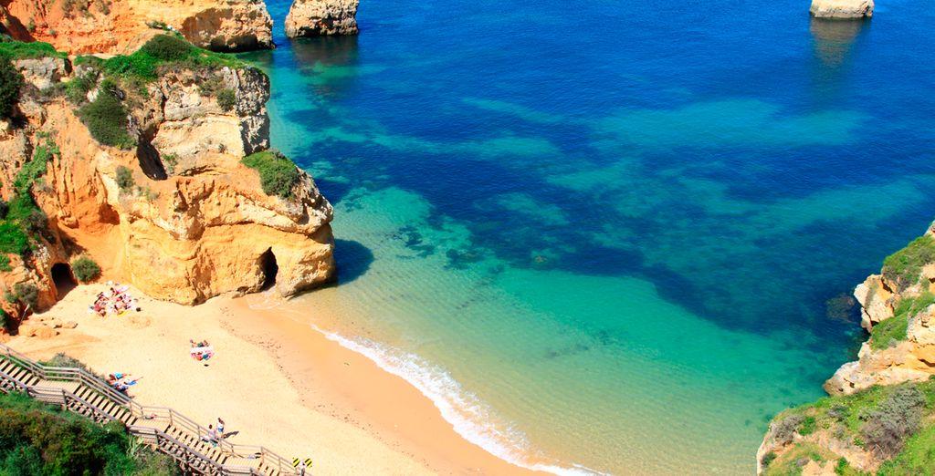Hier wilt u toch ook wel uw vakantie doorbrengen? Het mooie Lagos in Portugal!