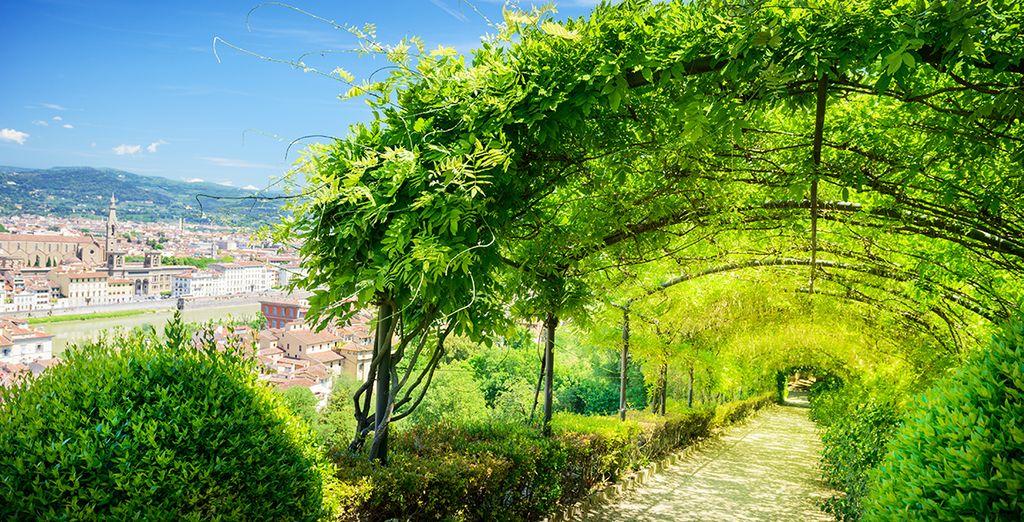 Met haar groene tuinen