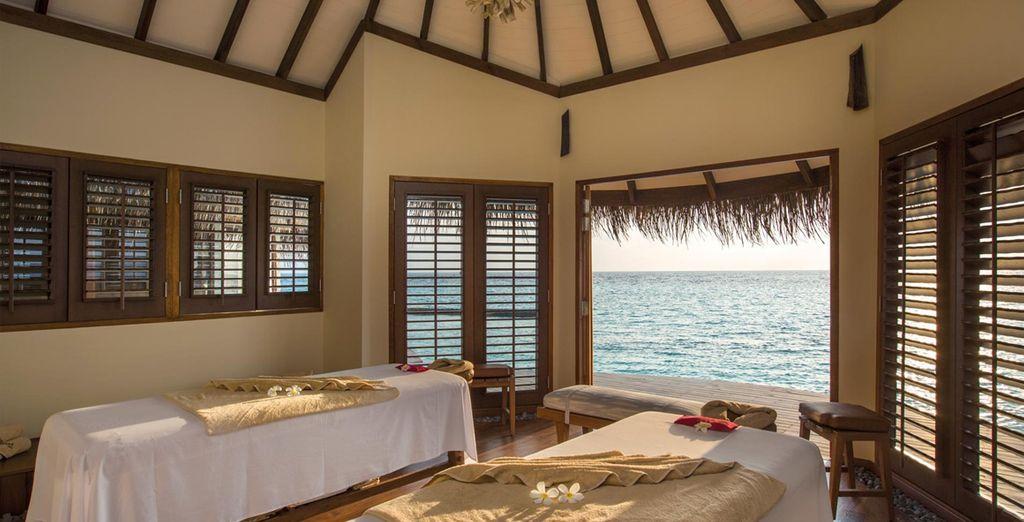 Voor een ontspannende massage met het geluid van de kabbelende golven op de achtergrond